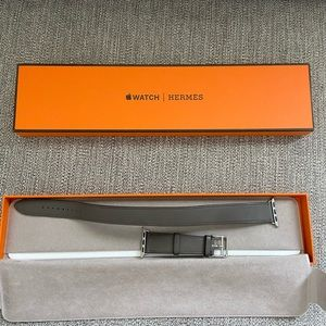 Pre-owned HERMÉS Double Tour Apple Watch Band